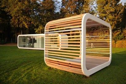 casa invisibile das unsichtbare ferien fertighaus von delugan meissl. Black Bedroom Furniture Sets. Home Design Ideas