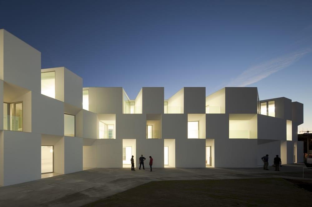 Seniorenheim-Aires-Mateus-Arquitectos-1400151444.jpg