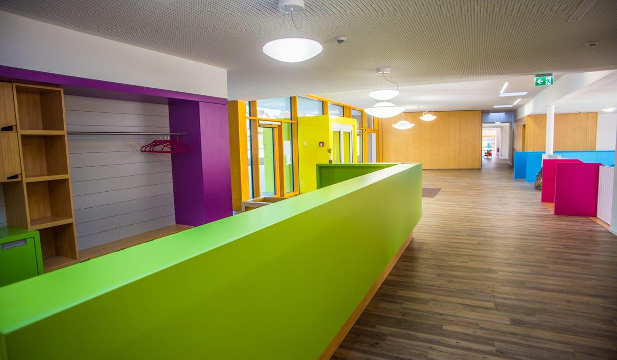 Kinderhaus-Waldachtal-Eingangsbereich-Foyer.jpg