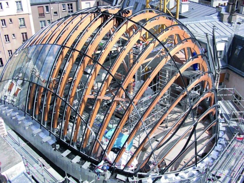 Fondation Pathé in Paris: Amorphe Kuppel mit anspruchsvoller Dachkonstruktion (Foto: FRENER & REIFER Fassaden)