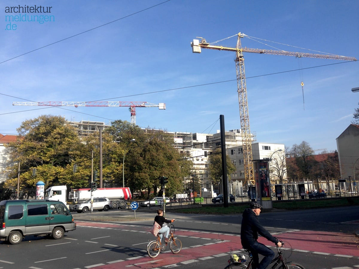 graft-architekten-paragon-apartments-berlin-blick-von-tramhaltestelle-prenzlauer-allee-danziger-strasse-IMG_0690.jpg