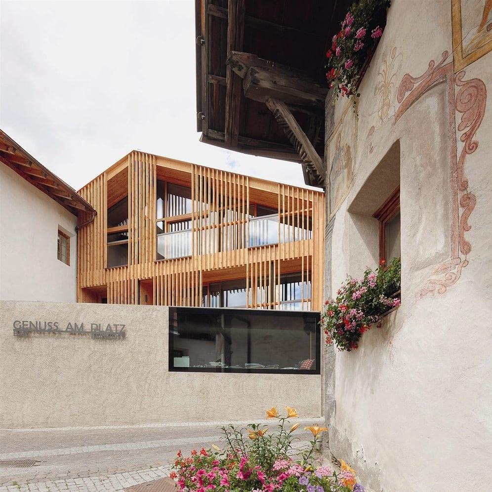 buchtipp hotels und h tten in den alpen f r architektur. Black Bedroom Furniture Sets. Home Design Ideas