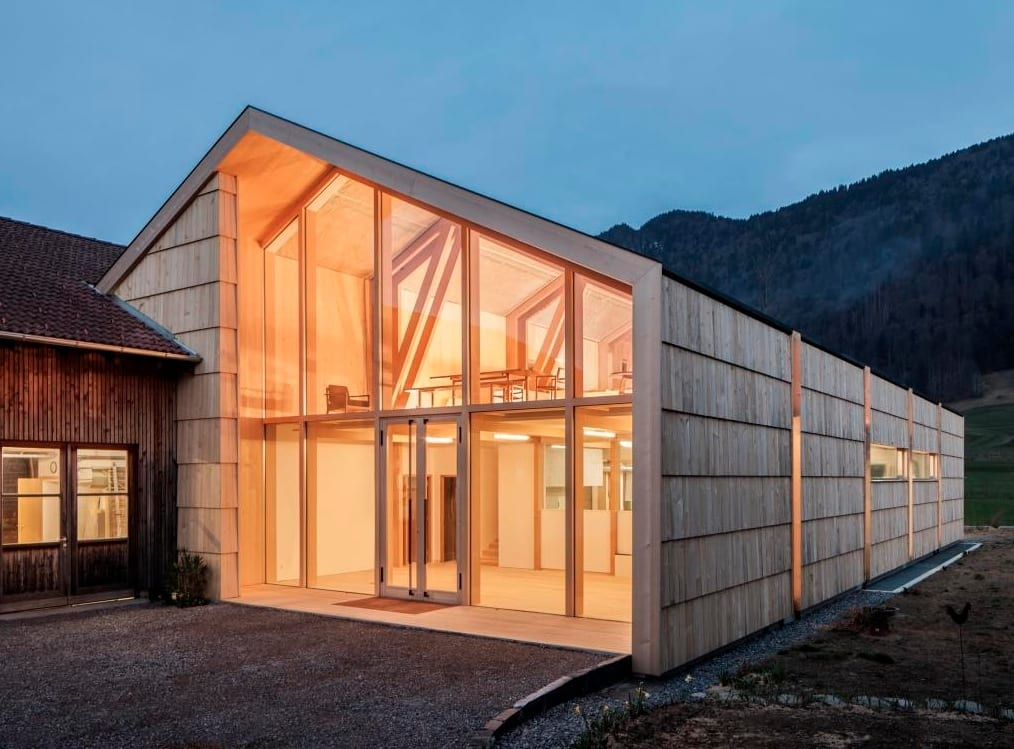 haus auf radern werkstatt und ausstellungsraum im bregenzerwald beim vorarlberger holzbaupreis ausgezeichnet osterreich