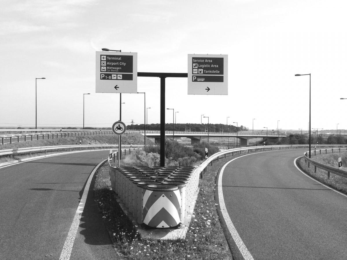 Zubringer Terminal / Airport City und Service Area (Foto: Eric Sturm)