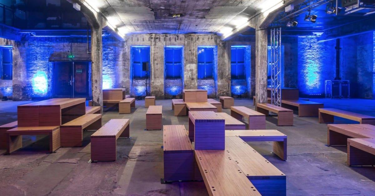 m bel aus baubuche paneel im berliner berghain. Black Bedroom Furniture Sets. Home Design Ideas