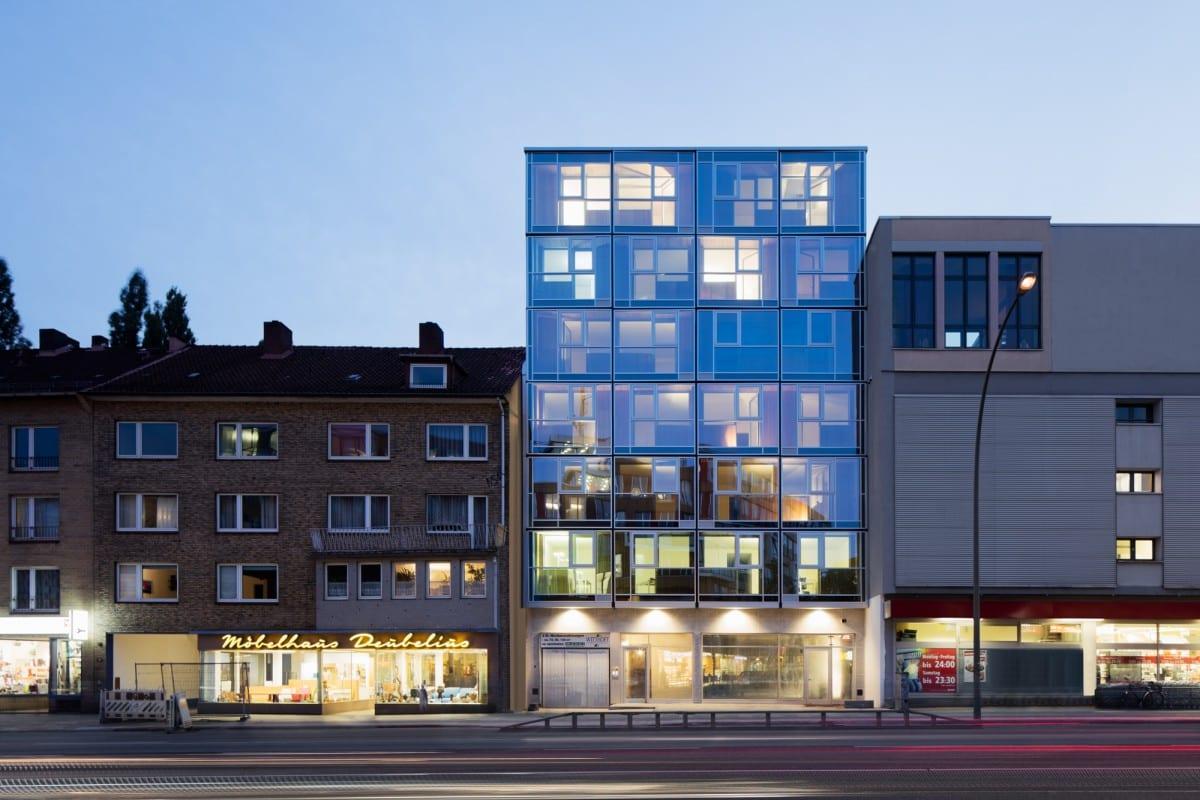 blauraum architekten hamburg wohn und gesch ftshaus hoheluftchaussee. Black Bedroom Furniture Sets. Home Design Ideas