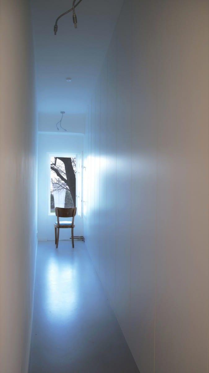 Berlin-Tempelhof Altbau-Wohnung mit Badewanne im Wohnzimmer Architekt Alexander John Huston luftbruecke01