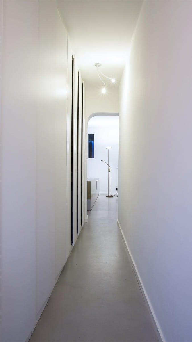 Berlin-Tempelhof Altbau-Wohnung mit Badewanne im Wohnzimmer Architekt Alexander John Huston luftbruecke02