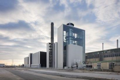 Erdgaskraftwerk Lausward im Hafen Düsseldorf (kadawittfeldarchitektur, Aachen; Foto: Jens Kirchner)