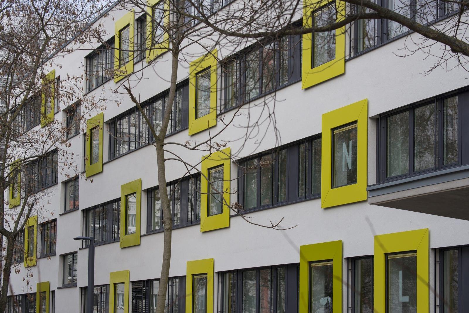 sanierung in berlin typenbau schule mit neuer fassade innenr umen. Black Bedroom Furniture Sets. Home Design Ideas