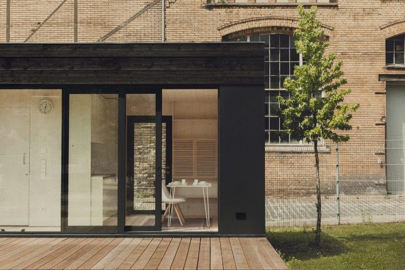 futteralhaus aus berlin produziert sch ne modulh user aus holz. Black Bedroom Furniture Sets. Home Design Ideas