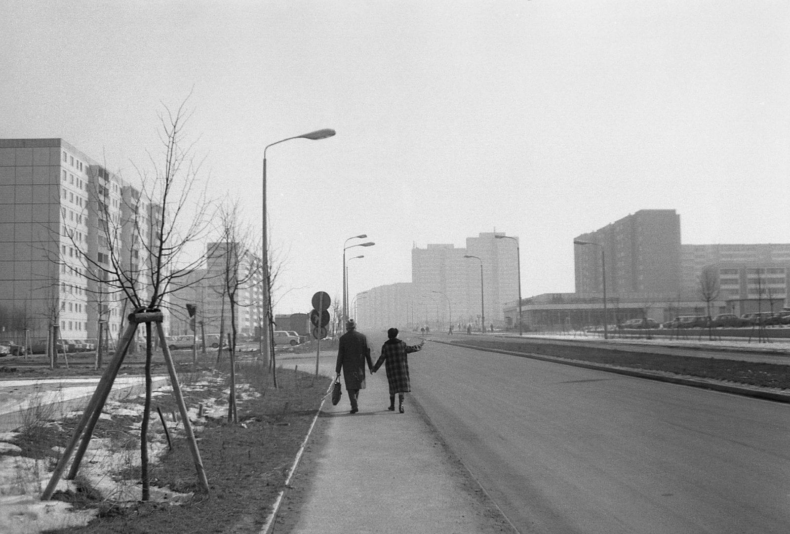 Berlin-Marzahn 1983 #22 (Foto: Roger Melis / © Mathias Bertram)
