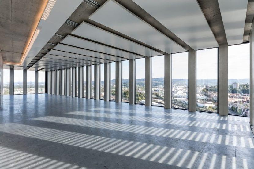Büroetage im Grosspeter Tower (Foto: Adriano Biondo)