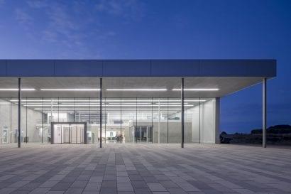 Ansicht Eingangsbereich der Filterfabrik B.Braun Melsungen AG in Wilsdruff / Sachsen (Foto: Till Schuster)