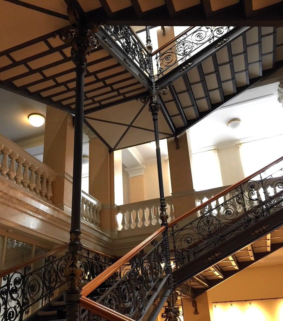 Das Historische Treppenhaus Im Hotel Am Sophienpark Baden Baden