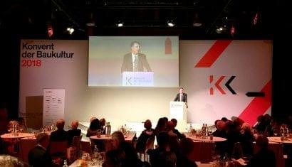 Staatssekretär Gunther Adler bei seiner Ansprache auf dem Konvent der Baukultur 2018 in Potsdam (Foto: Eric Sturm)