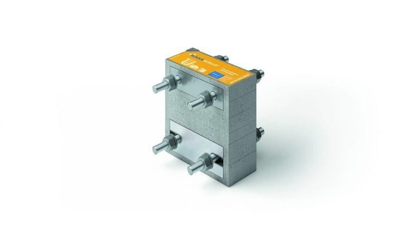 Ein Isokorb Element des Typs KST zur thermischen Trennung ist ein tragendes Wärme-dämmelement für Stahl-auf-Stahl-Konstruktionen, das aus einem Stück Dämmschaum be-steht, der mit verschraubten Edelstahl-Stangen zwischen Edelstahl-Seitenplatten kompri-miert wird. Foto: Schöck Bauteile GmbH