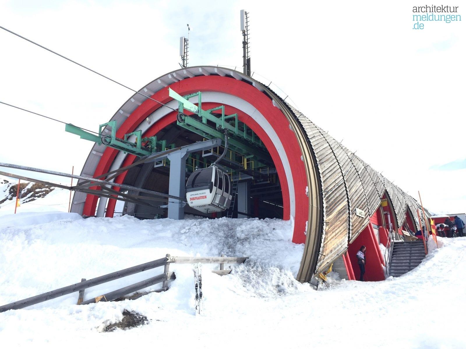 Konstruktiver Holzbau auf 2.000 m Höhe: Die Bergstation der Gipfelbahn Fulseck im Skigebiet Dorfgastein-Großarltal (Foto: Eric Sturm)