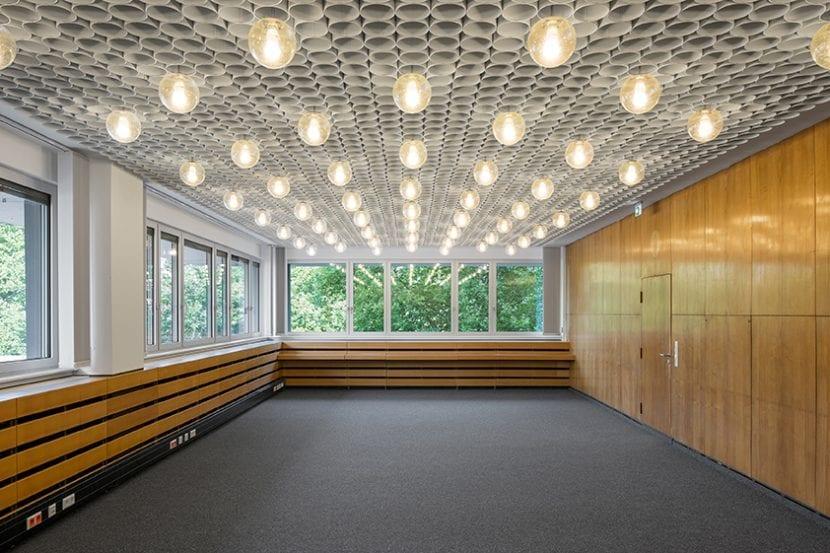 Jobcenter Berlin-Mitte: Sanierter Innenraum (Foto: Andreas Meichsner)