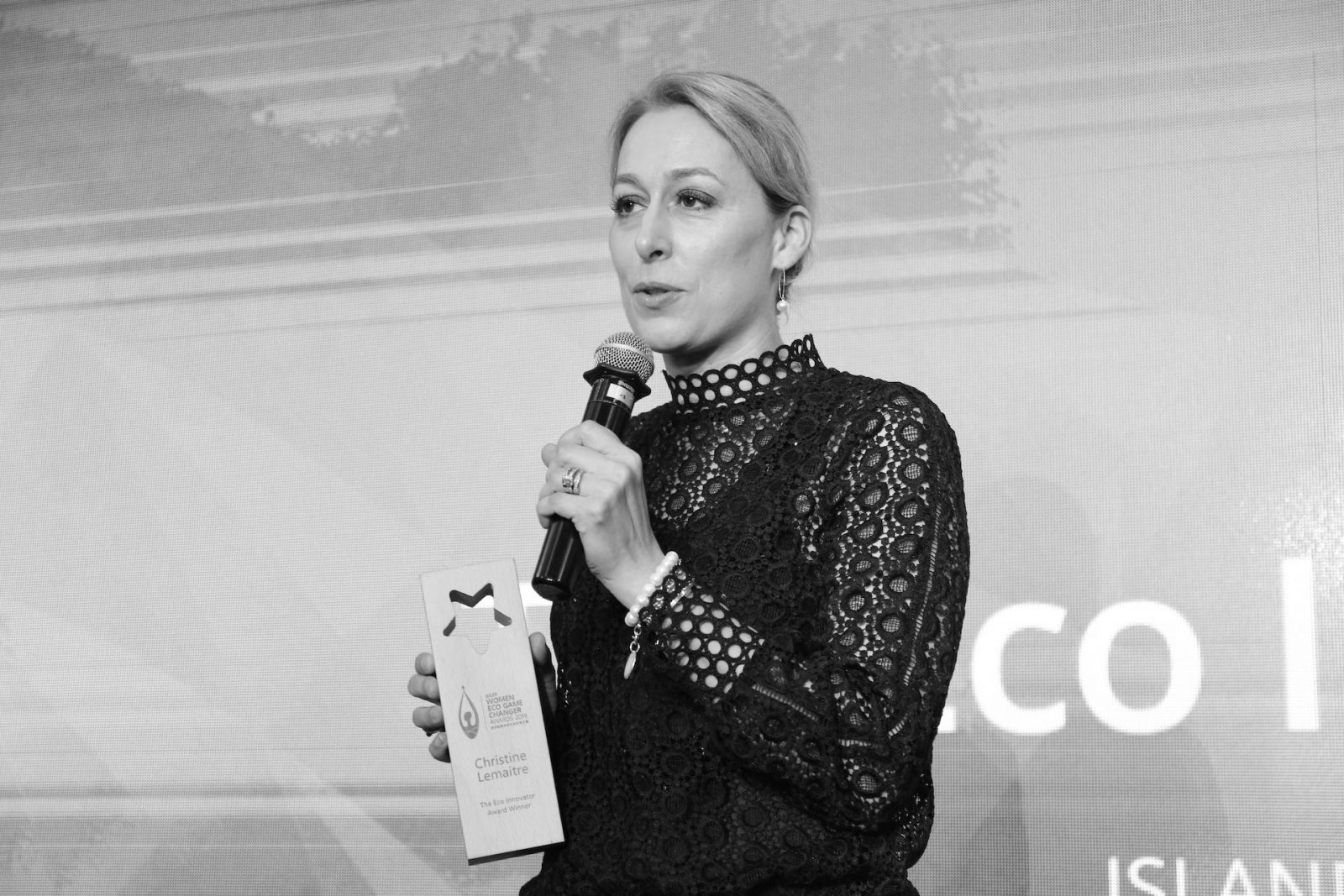 """DGNB-Vorstand Dr. Christine Lemaitre bei der Verleihung des """"GGEF Eco Innovator Awards"""" Ende Mai 2019 in Hongkong (Foto: GGEF)"""