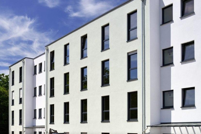 Klassische Putzfassade: Wohnhaus in Modulbauweise nach der Fertigstellung (Foto: ALHO)