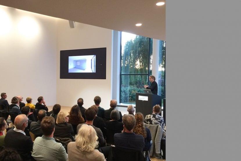 Henning Ehrhardt, bottega + ehrhardt architekten, bei seinem Vortrag (Foto: Eric Sturm)