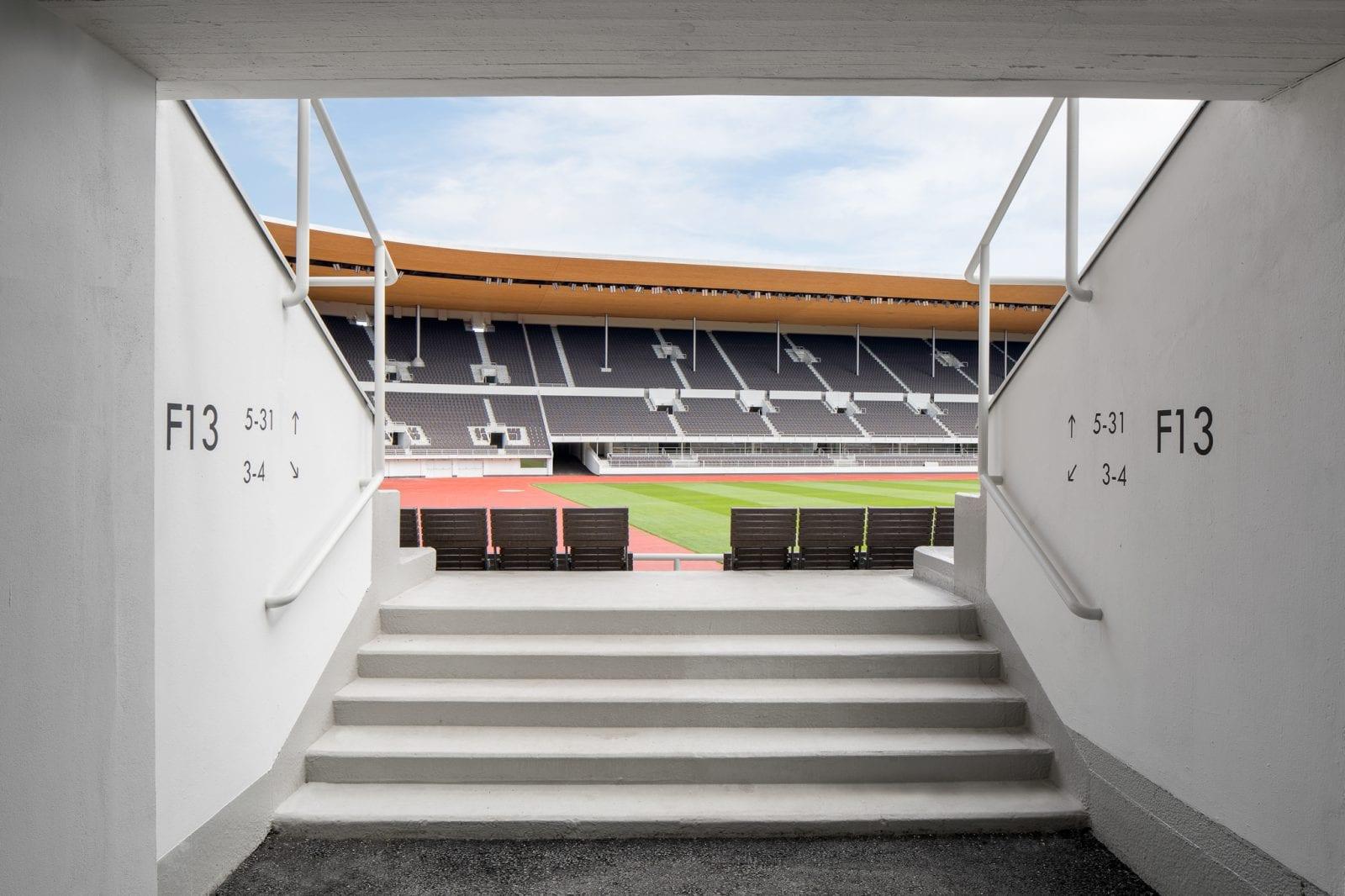 Zuschauertribünen und Blick ins Olympiastadion Helsinki (Foto: Wellu Hämäeläinen)